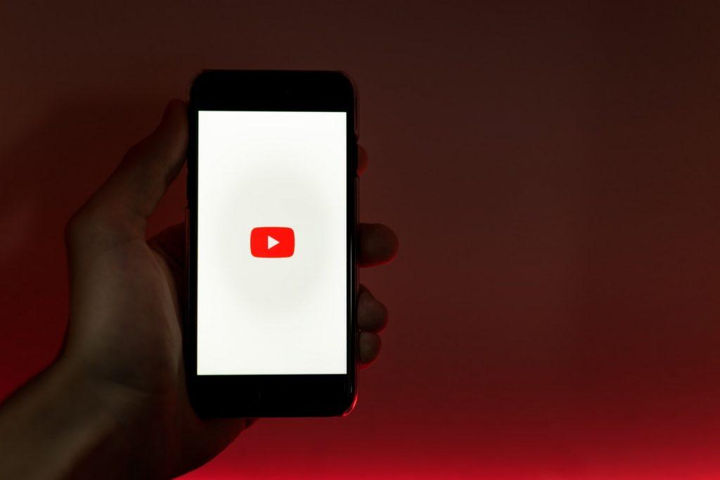 ganar dinero como youtuber
